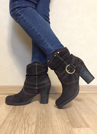 Ботинки замшевые catwalk 39 размер