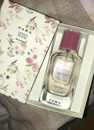 Zara  парфюм «lightly bloom»