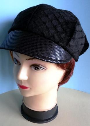 """Кепка женская. хулиганка. мех """"козлик"""". черный цвет. ручная работа. цена 250 гр."""
