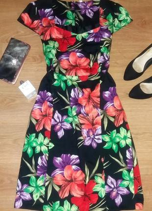Бесподобное хлопковое платье в цветы размер 18