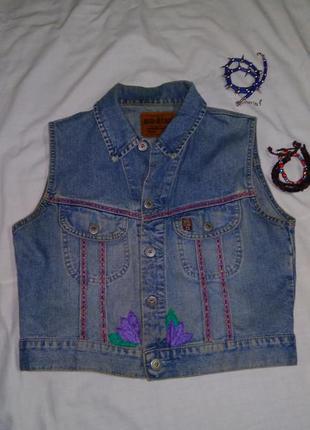 Джинсовая жилетка с вышивкой big star