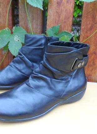 Демисезонные кожаные ботинки clarks