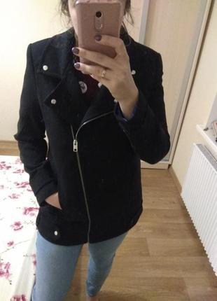 Красивое чёрное пальто/куртка