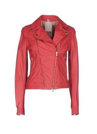 Итальянская красная кожаная куртка