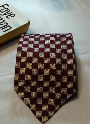 Шелковый галстук в квадрат