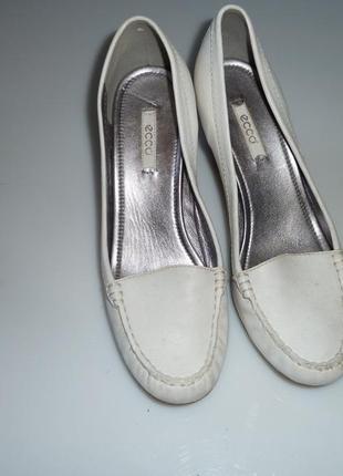 Кожаные туфли ecco, р 40, стелька 26 см высота каблука 7 см очень удобная колодка