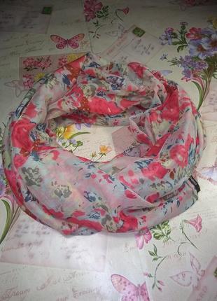 Красивий шарф хомут 90*90