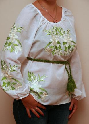Вышиванка нежная лилия