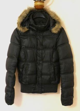 Куртка короткая, теплая, с капюшоном. зимняя, демисезонная, утепленная. синтепон.