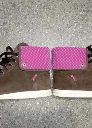 Удобные ботинки crocs из натуральной замши