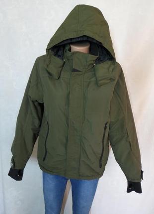 Демисезонная спортивная куртка от h&m