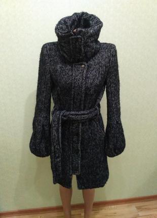 Пальто zara (54% шерсть)