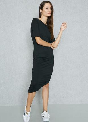 Асиметричное платье в идеальном состоянии
