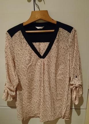 Красивая бледно розовая блузочка в черные звоздочки
