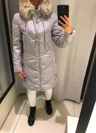 Серое тёплое пальто удлинённая куртка на синтепоне. reserved. размеры разные.