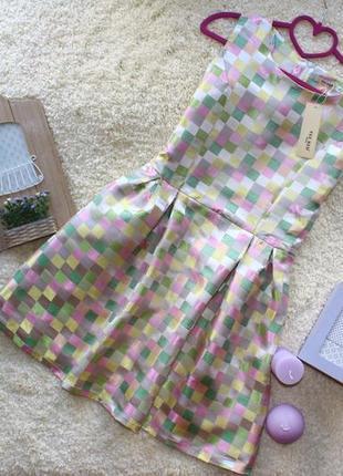 Новое невероятное платье в клеточку в стиле беби долл, держит форму