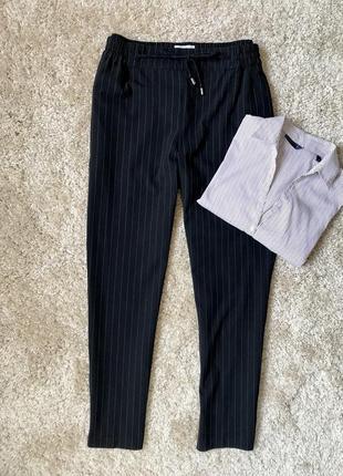Чёрные брюки в полоску свободного кроя promod