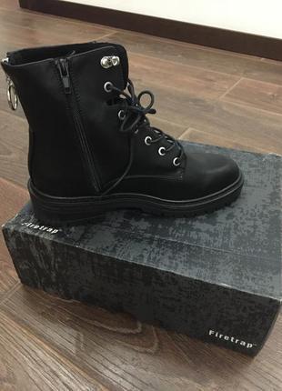 Новые ботинки firetrap