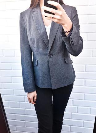 Серый удлиненный пиджак жакет блейзер