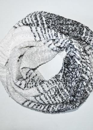 Красивый большой шарф