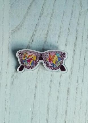 Значок разноцветные очки, брошка, брошь