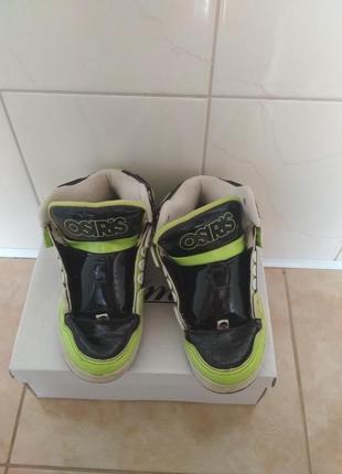 Лаковьіе ортопедические ботинки-красовки фирмьі osiris