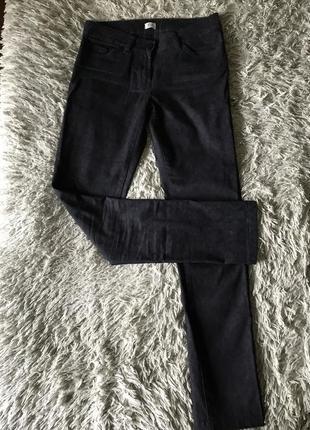 Чорні брюки орнамент