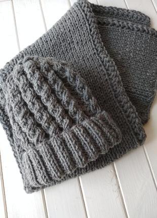 Шерстяной набор из шапки и шарфа