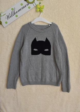 Классный фирменный свитерок.