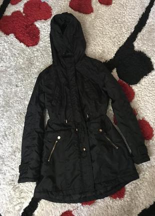 Чёрная демисезонная куртка парка с-м