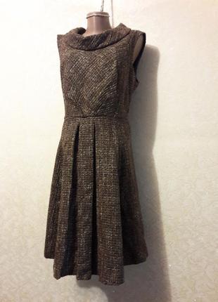Красивое коричневое теплое платье сарафан с воротником