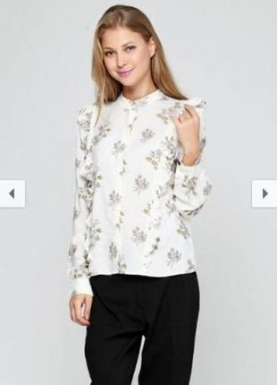 Нежная блуза в цветочный принт с рюшами h&m