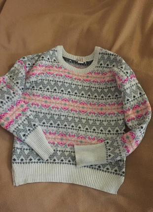 Продам свитер актуального кроя