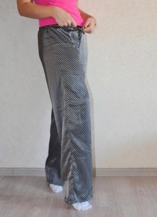 Пижамные милые атласные штанишки принт горошек la senza