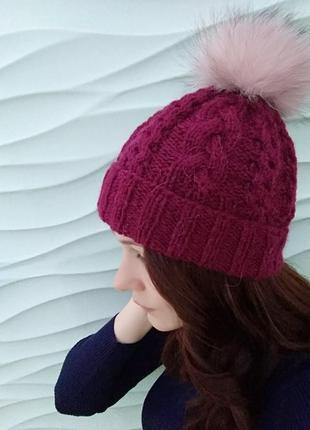 Теплая шапка из шерсти альпаки.
