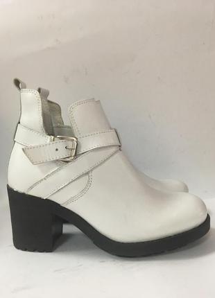 Шкіряні стильні черевички andre р-38,41