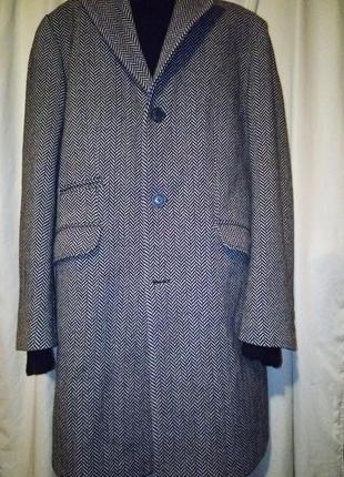 Элегантное пальто зимнее в елочку