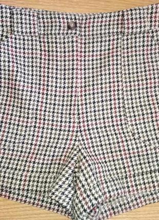 Классные шерстяные шорты на подкладке