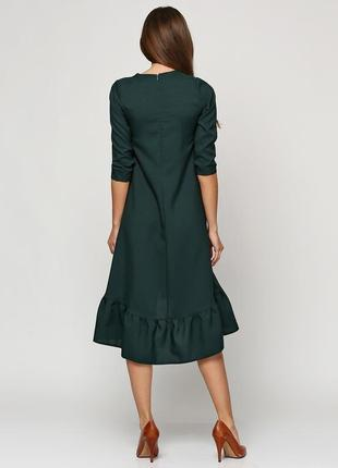 Шикарное платье anvi из  габардина красивого изумрудного цвета