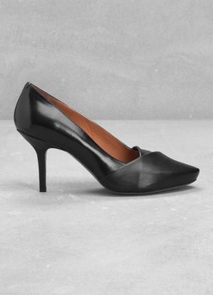 Туфли на каблуке от other stories италия