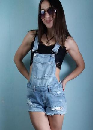 Модный джинсовый комбинезон с шортами denim co3 фото