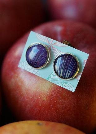 Серьги-гвоздики с фиолетовым лепестком мальвы