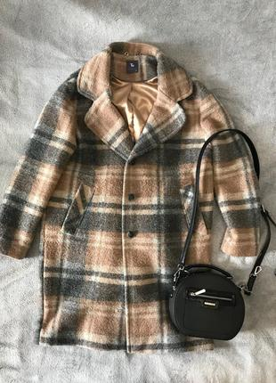 Тепле осіннє пальто