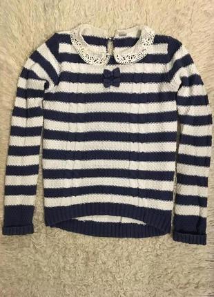 Миленький свитеров с красивым воротником