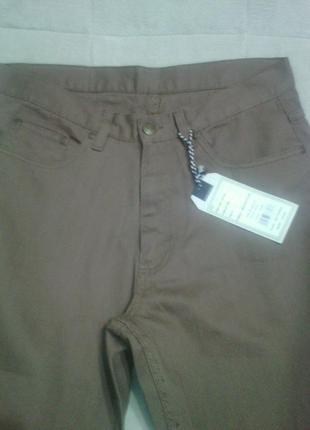 Мужские  фирменные джинсы.