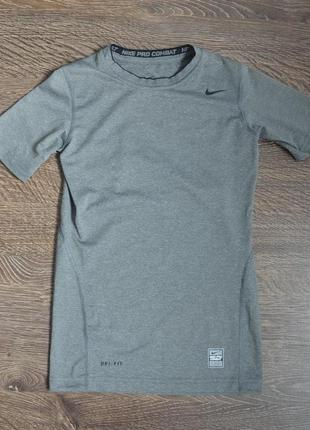 Термо футболка свежая коллекция  от nike ® размер : m  на 10-12 лет (рост 140-152 см.)