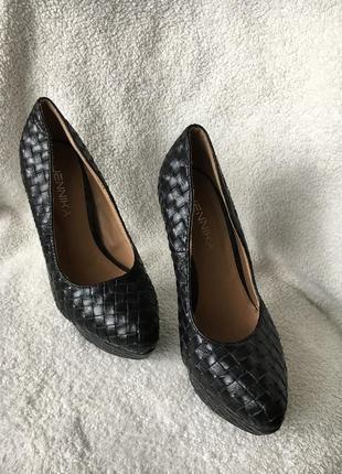 Красивейшие очень крутые туфли распродажа