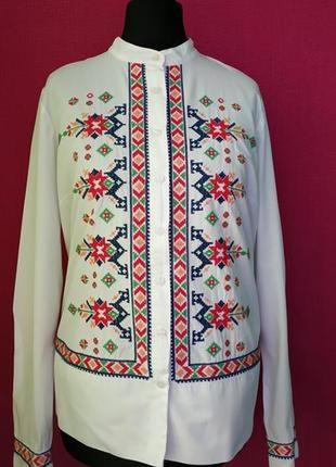 Белоснежная натуральная рубашка с вышивкой