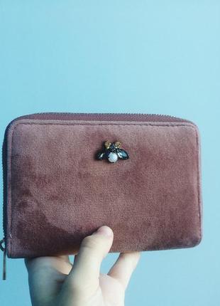 Нежно розовый бархатный кошелек
