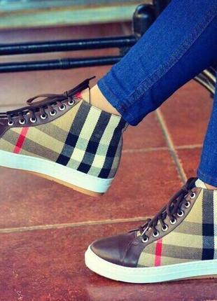 Коричневые женские кроссовки/женские ботинки/ботинки в клетку/кроссовки черные